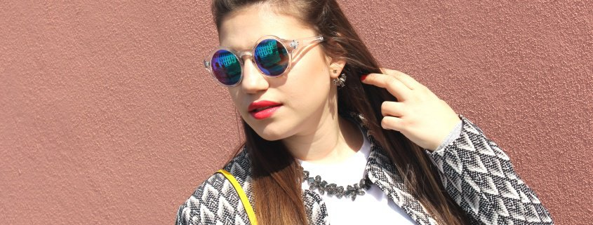 Fashionoutfit: Pop of Colour