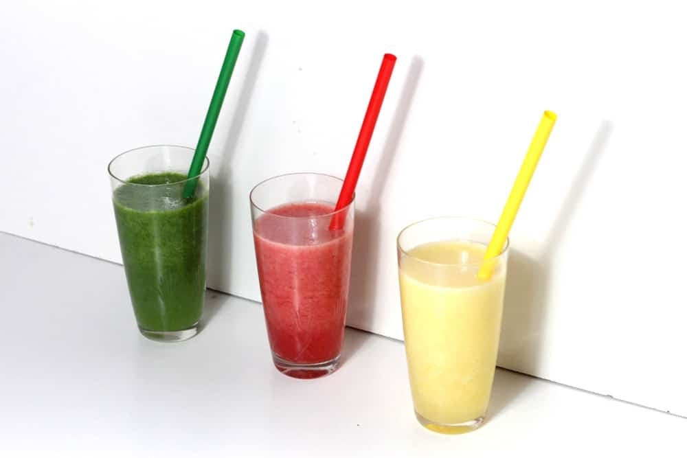 Smoothietime: green, red, yellow