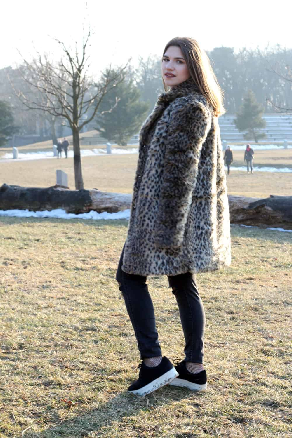 Outfit: Leo Fur