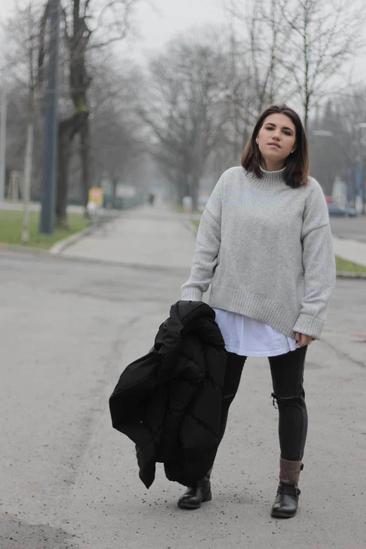 Austrianblogger Lifeandcolours Outfit Winter Attire Sweater Weater Turtleneck - grauer Rollkragenpullover