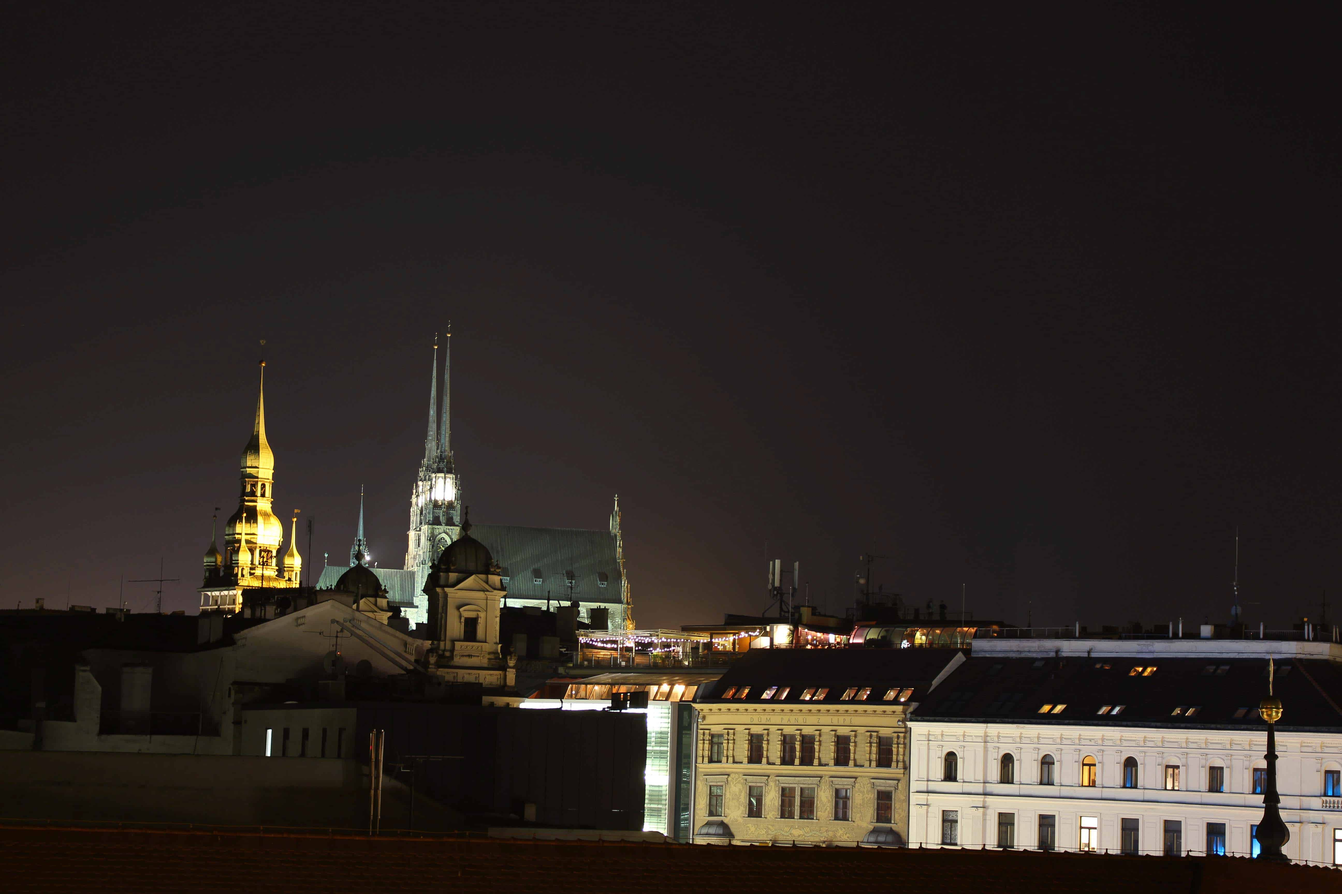 lifeandcolours austrianblogger travel: citytrip Brünn - birthday in Brno -view at night